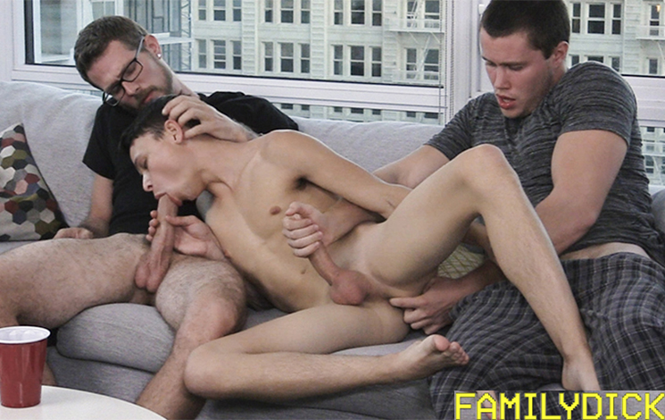 Gay White Boy Gets A Mouthful